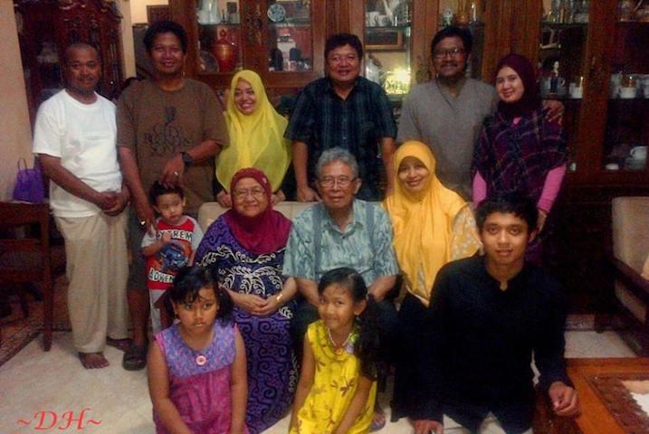kaji-edan-keluarga-besar